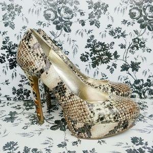 Steve Madden Bevv Snakeskin heels sz 10